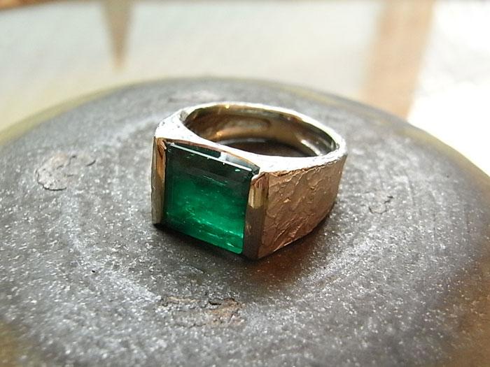 エメラルド 指輪 リフォーム