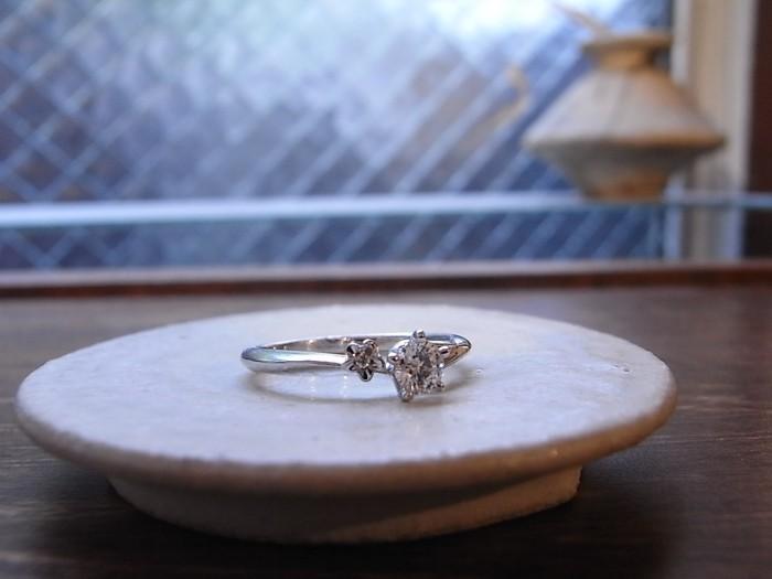 婚約指輪 花
