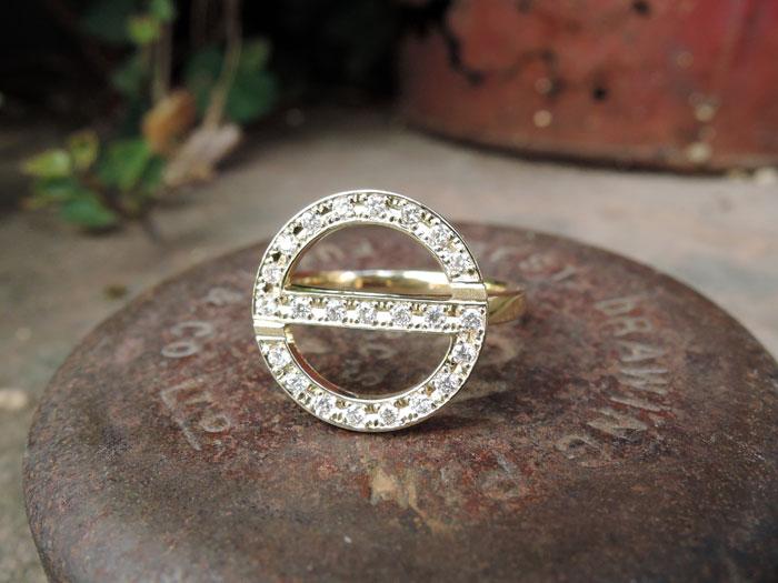 イニシャル 指輪