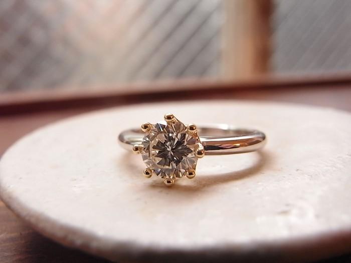 婚約指輪 王冠