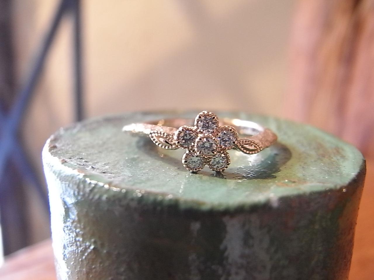 お花 ダイヤ 指輪